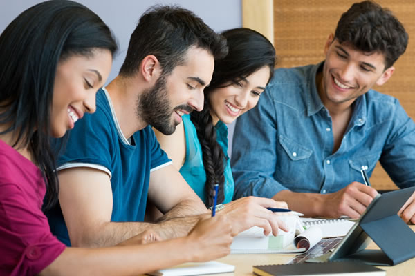 ib-business-management-elearning-students-600x400